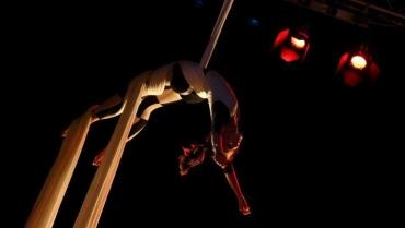Acrobatica aerea: come dovrebbe allenarsi chi la pratica?